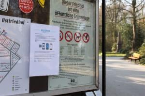 Hinweisschild auf dem Ostfriedhof Dortmund